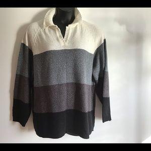 Carolyn TaylorSize. 24/26 white grey black sweater